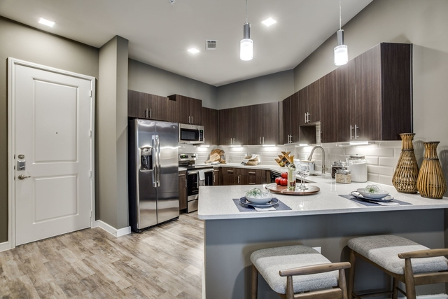 1 Bedroom, Greenway Rental in Dallas for $1,415 - Photo 2