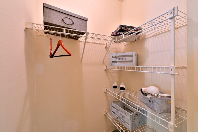 2 Bedrooms, Larchmont Village Apartments West Rental in Washington, DC for $1,395 - Photo 2