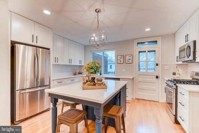 2 Bedrooms, Lynhaven Rental in Washington, DC for $2,750 - Photo 2