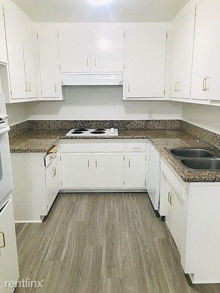 2 Bedrooms, Sherman Oaks Rental in Los Angeles, CA for $2,650 - Photo 1