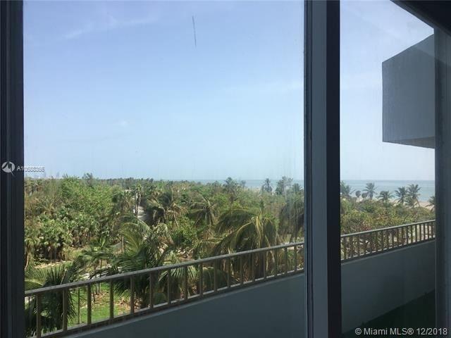 2 Bedrooms, Village of Key Biscayne Rental in Miami, FL for $3,700 - Photo 2