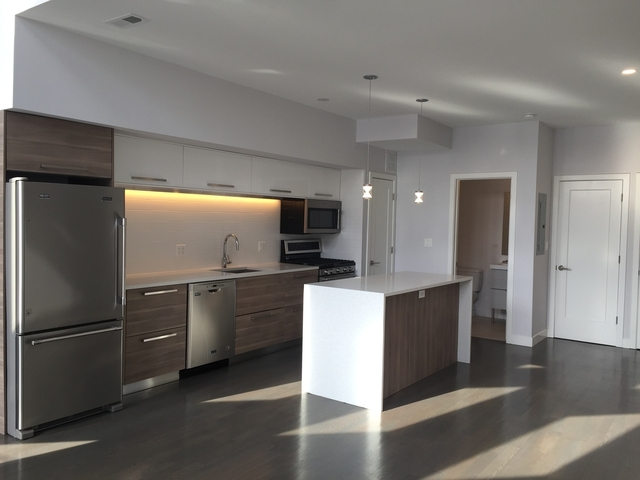 2 Bedrooms, West Town Rental in Chicago, IL for $2,250 - Photo 2