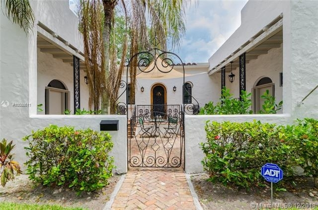 2 Bedrooms, Coral Gables Section Rental in Miami, FL for $3,500 - Photo 2
