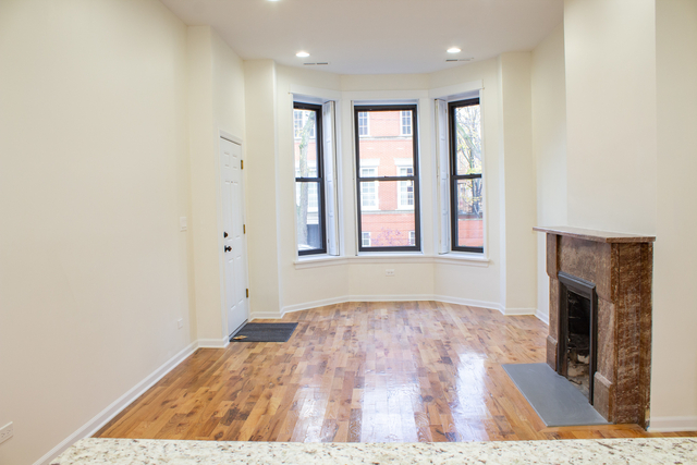 3 Bedrooms, Lincoln Park Rental in Chicago, IL for $3,000 - Photo 2