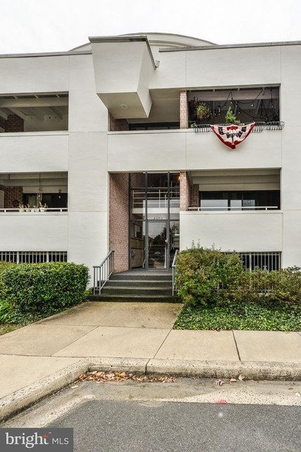 2 Bedrooms, Waverly Hills Rental in Washington, DC for $1,975 - Photo 1