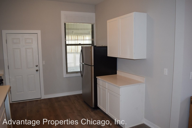 3 Bedrooms, Goose Island Rental in Chicago, IL for $1,800 - Photo 2