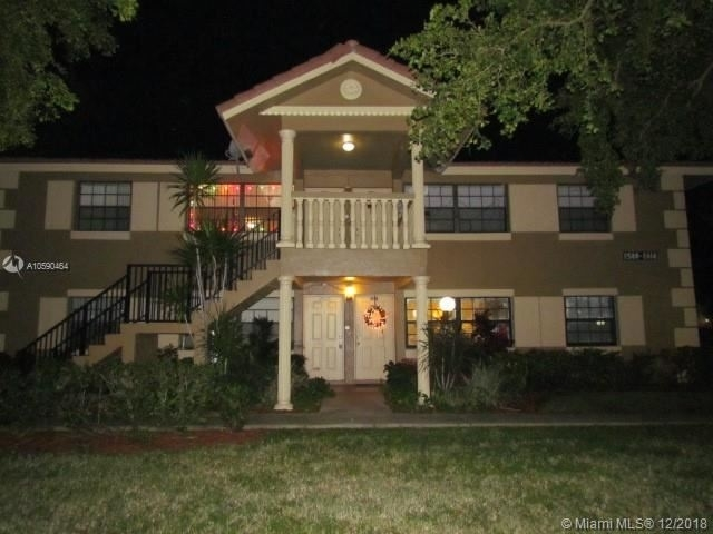 2 Bedrooms, Forest Hills Rental in Miami, FL for $1,350 - Photo 1