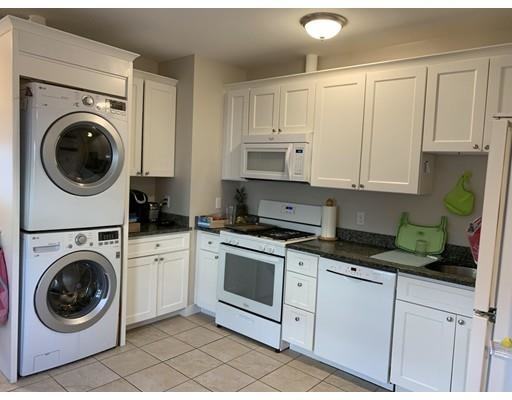 3 Bedrooms, West Newton Rental in Boston, MA for $2,850 - Photo 2