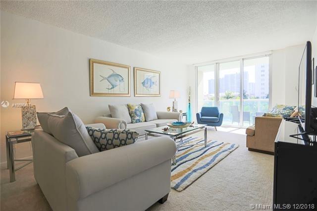 2 Bedrooms, Golden Shores Ocean Boulevard Estates Rental in Miami, FL for $3,000 - Photo 2