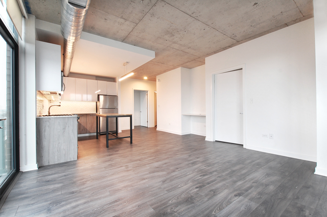 2 Bedrooms, Roscoe Village Rental in Chicago, IL for $3,160 - Photo 2