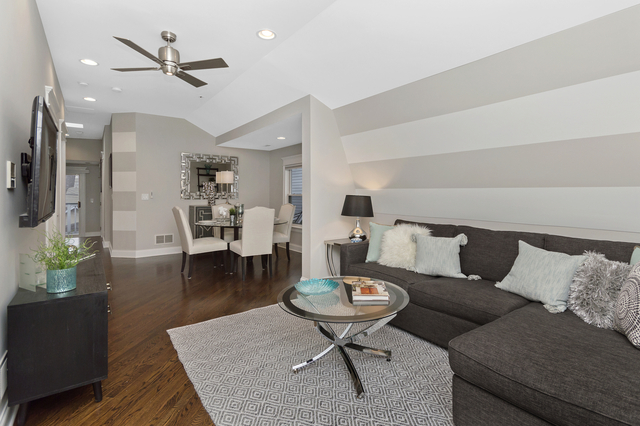 2 Bedrooms, Brynford Park Rental in Chicago, IL for $2,650 - Photo 2