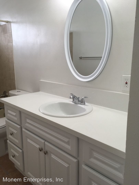 2 Bedrooms, Inglewood Rental in Los Angeles, CA for $1,700 - Photo 1