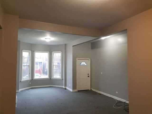 2 Bedrooms, Park Manor Rental in Chicago, IL for $1,000 - Photo 2