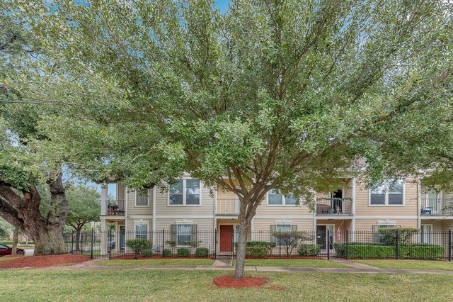 2 Bedrooms, Downtown Houston Rental in Houston for $1,998 - Photo 1