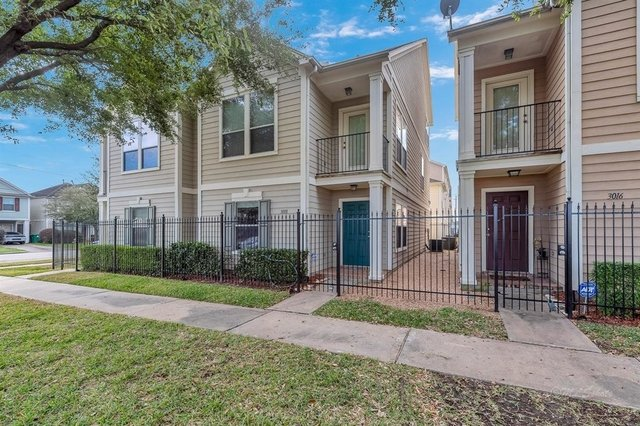 2 Bedrooms, Second Ward Rental in Houston for $1,999 - Photo 2