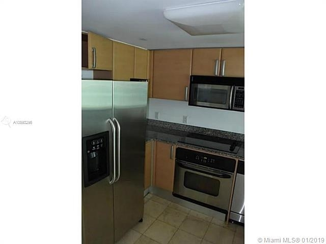 1 Bedroom, Brickell Rental in Miami, FL for $2,050 - Photo 2