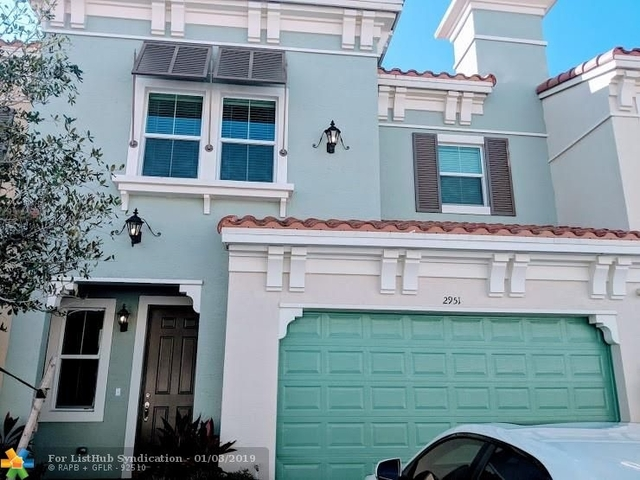 3 Bedrooms, Sawgrass Lakes Rental in Miami, FL for $3,200 - Photo 1