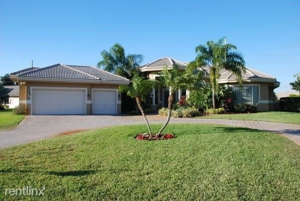 4 Bedrooms, Emerald Springs Homes of Davie Rental in Miami, FL for $3,200 - Photo 1