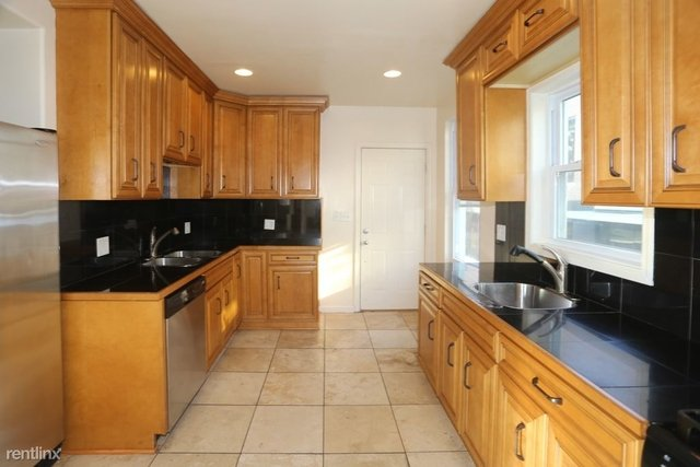 3 Bedrooms, Lathrop Rental in Chicago, IL for $2,995 - Photo 2