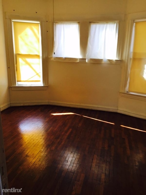 3 Bedrooms, Lawn Place Rental in Dallas for $1,450 - Photo 2