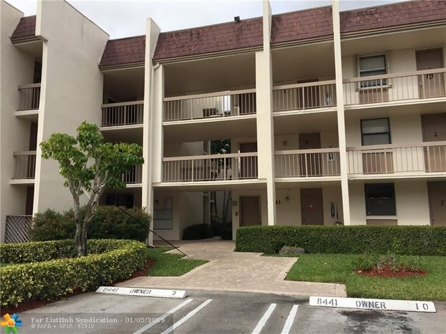 2 Bedrooms, Forest Hills Rental in Miami, FL for $1,425 - Photo 1