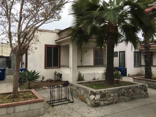 2 Bedrooms, Civic Center Rental in Los Angeles, CA for $1,975 - Photo 2