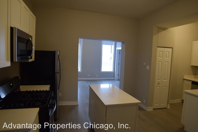 2 Bedrooms, Goose Island Rental in Chicago, IL for $1,400 - Photo 2