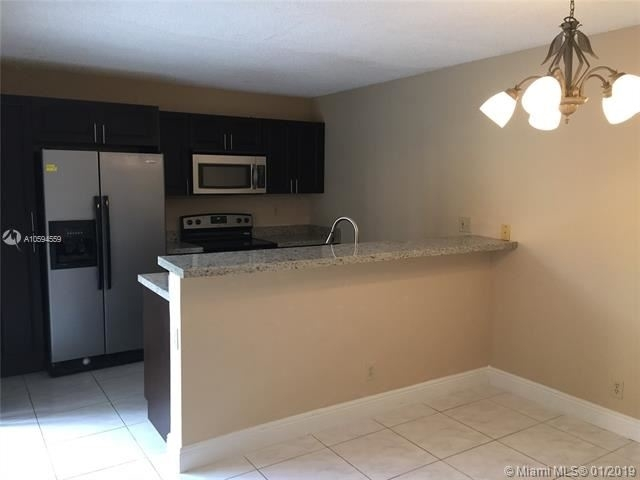 3 Bedrooms, The Village at Harmony Lake Rental in Miami, FL for $2,200 - Photo 2