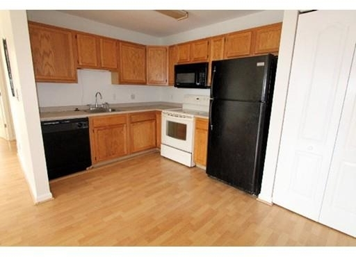 2 Bedrooms, South Quincy Rental in Boston, MA for $1,800 - Photo 1