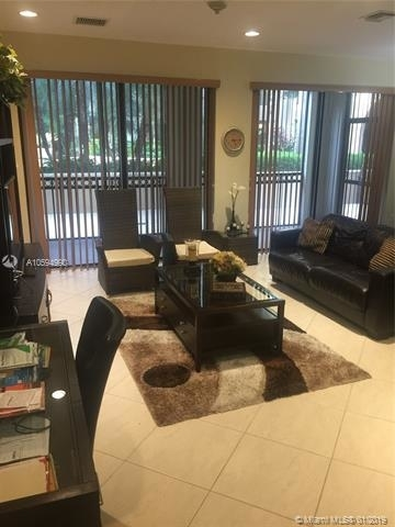 3 Bedrooms, Sawgrass Lakes Rental in Miami, FL for $2,280 - Photo 1
