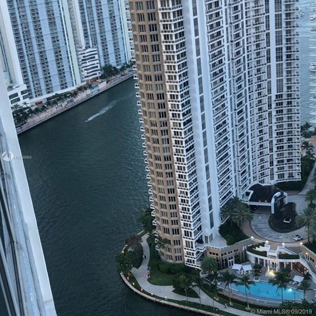 2 Bedrooms, Miami Financial District Rental in Miami, FL for $5,100 - Photo 2