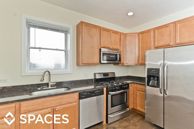 3 Bedrooms, Logan Square Rental in Chicago, IL for $2,200 - Photo 2