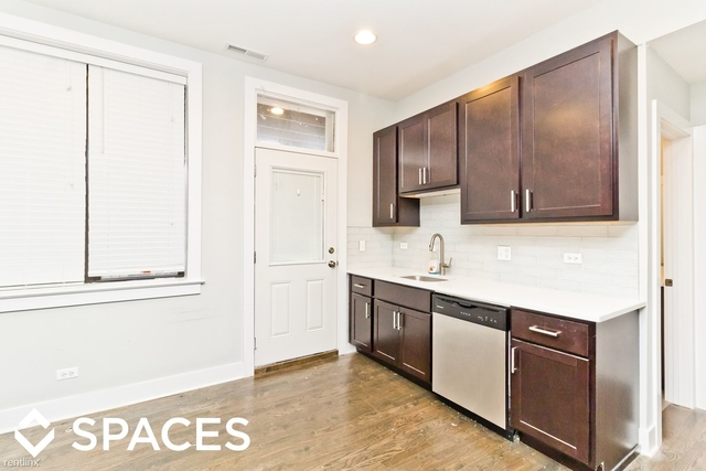 2 Bedrooms, Roscoe Village Rental in Chicago, IL for $1,950 - Photo 1