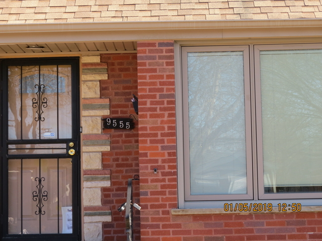 4 Bedrooms, South Shore Rental in Chicago, IL for $1,800 - Photo 2