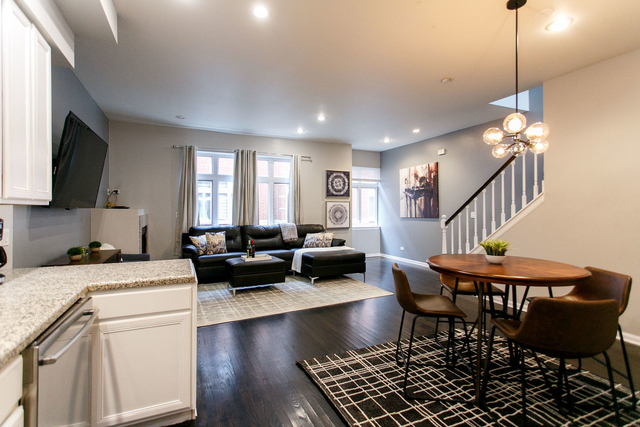 3 Bedrooms, Lathrop Rental in Chicago, IL for $3,500 - Photo 2
