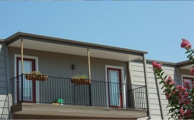 1 Bedroom, Lovers Lane Rental in Dallas for $1,020 - Photo 2