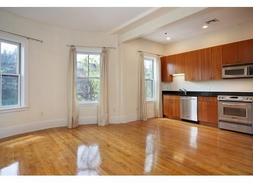 2 Bedrooms, Columbus Rental in Boston, MA for $3,000 - Photo 2