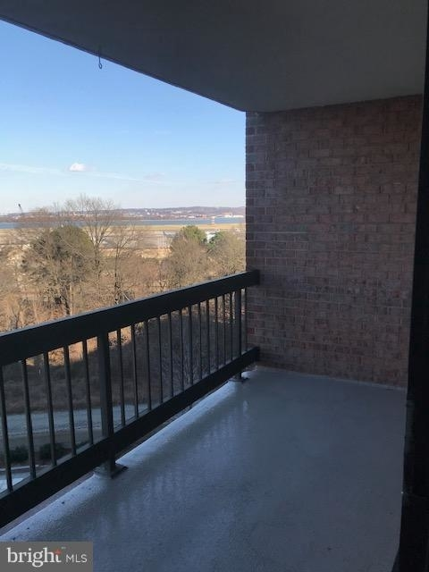 2 Bedrooms, Crystal City Shops Rental in Washington, DC for $2,400 - Photo 2