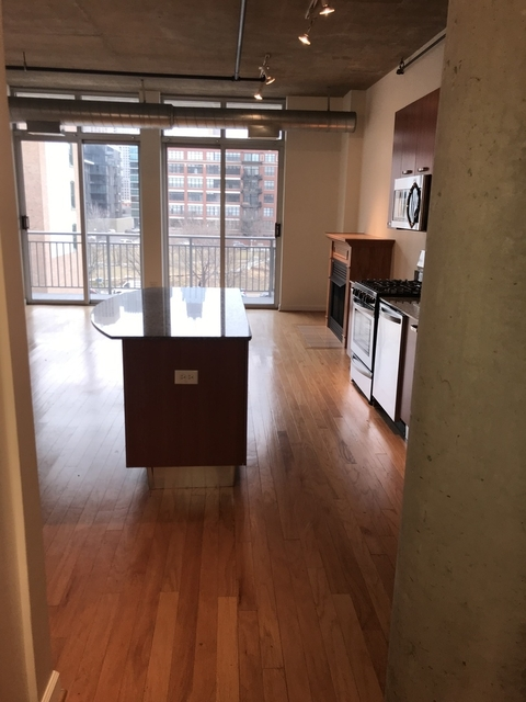 1 Bedroom, Near West Side Rental in Chicago, IL for $2,200 - Photo 2