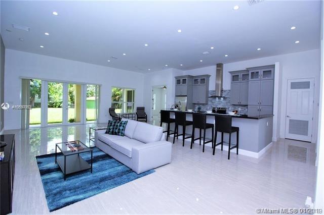 4 Bedrooms, Davie Rental in Miami, FL for $4,000 - Photo 2