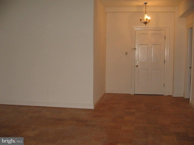1 Bedroom, Woodley Park Rental in Washington, DC for $2,300 - Photo 2