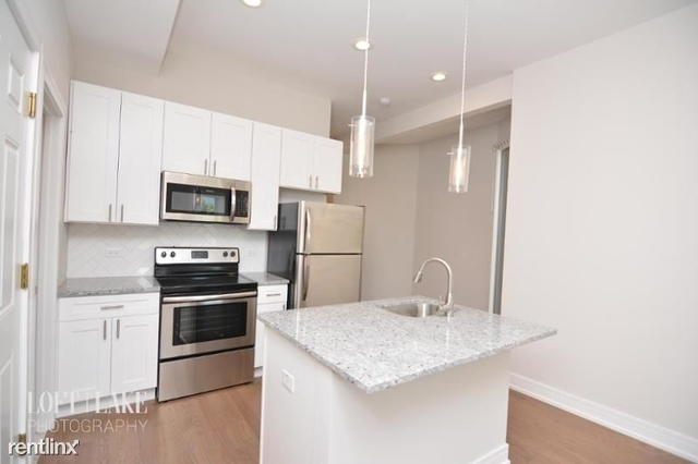2 Bedrooms, Ranch Triangle Rental in Chicago, IL for $2,750 - Photo 2