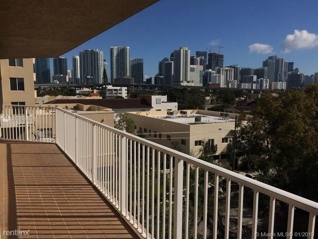 3 Bedrooms, East Little Havana Rental in Miami, FL for $1,875 - Photo 2