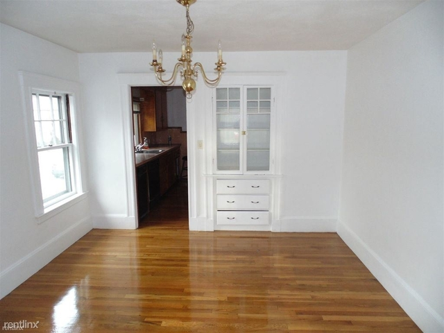 2 Bedrooms, West Newton Rental in Boston, MA for $2,000 - Photo 1
