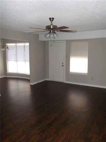 3 Bedrooms, Arlington Rental in Dallas for $1,395 - Photo 2