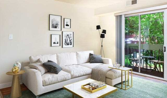 1 Bedroom, Foxchase Apartments Rental in Washington, DC for $26,216 - Photo 2