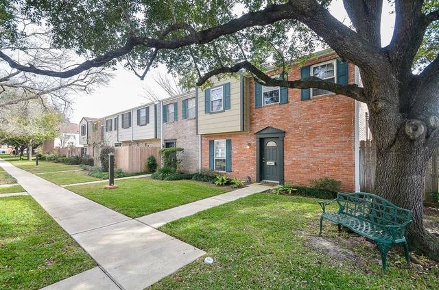 2 Bedrooms, Memorial Club Townhome Rental in Houston for $1,450 - Photo 2