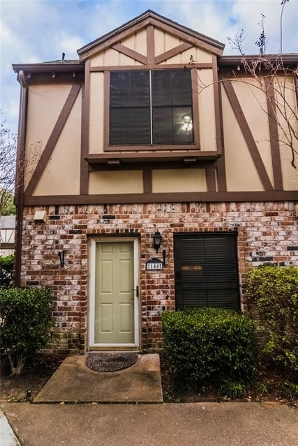 2 Bedrooms, London Townhome Rental in Houston for $1,400 - Photo 1