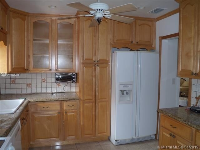 4 Bedrooms, Coral Way Rental in Miami, FL for $2,899 - Photo 2