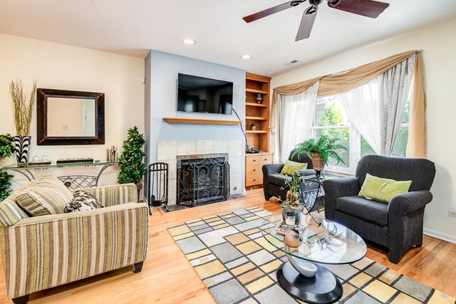 2 Bedrooms, Lakeview Rental in Chicago, IL for $3,300 - Photo 2